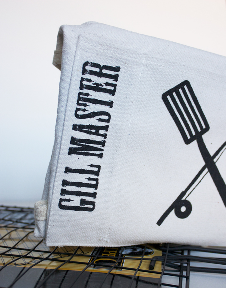 Gill Master Graphic Apron - One Little Minute