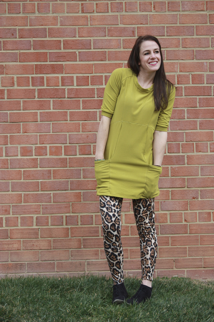 Victory Lola Pattern Review - One Little Minute Blog - Love this tunic!