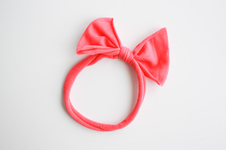 Nylon No Sew Bow-One Little Minute Blog-4
