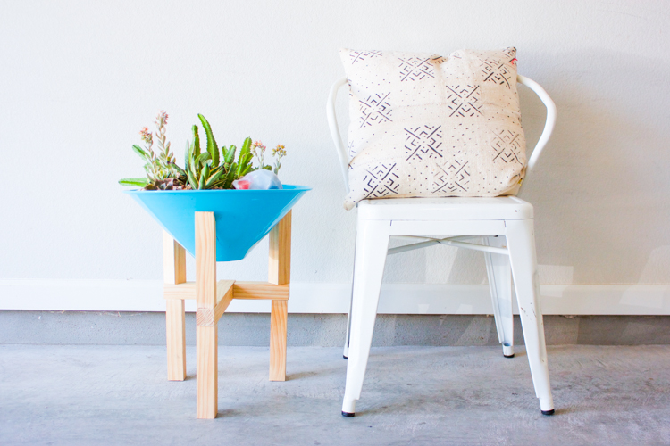 DIY Wooden Plant Stand-1