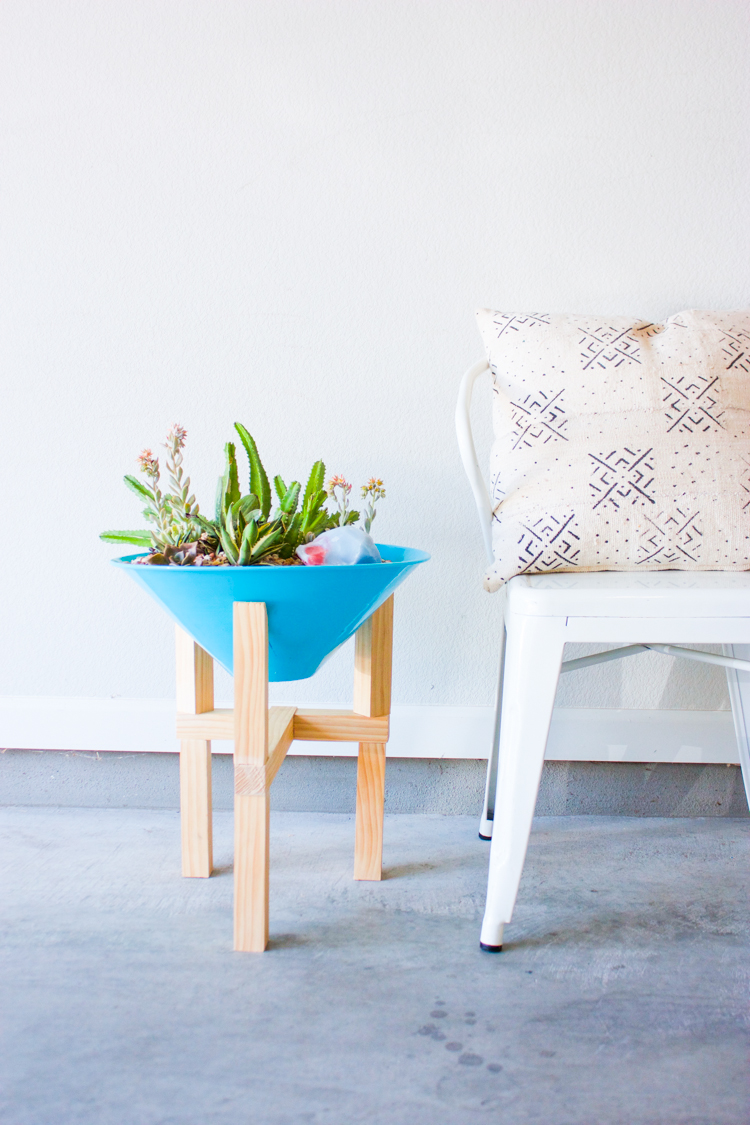 DIY Wooden Plant Stand-15