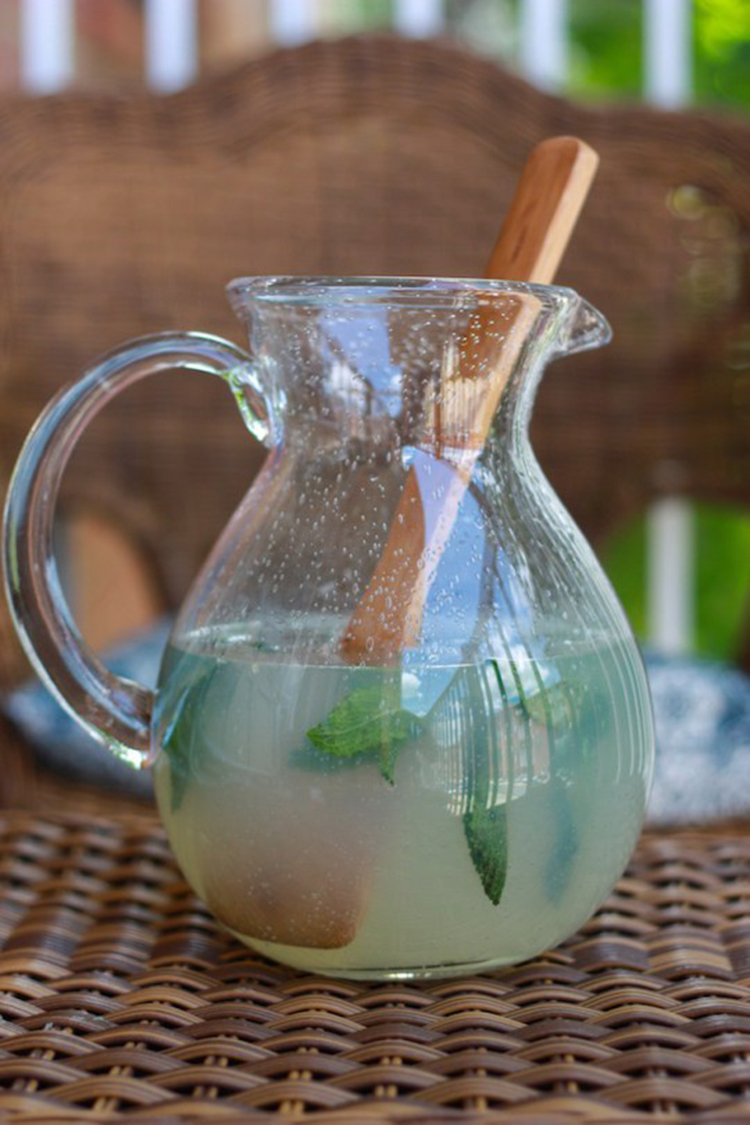 Herbed Lemonade for St Patricks Day-One Little Minute Blog