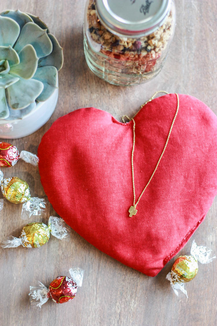 Small Gifts and other ways to Show Love-One Little Minute-3