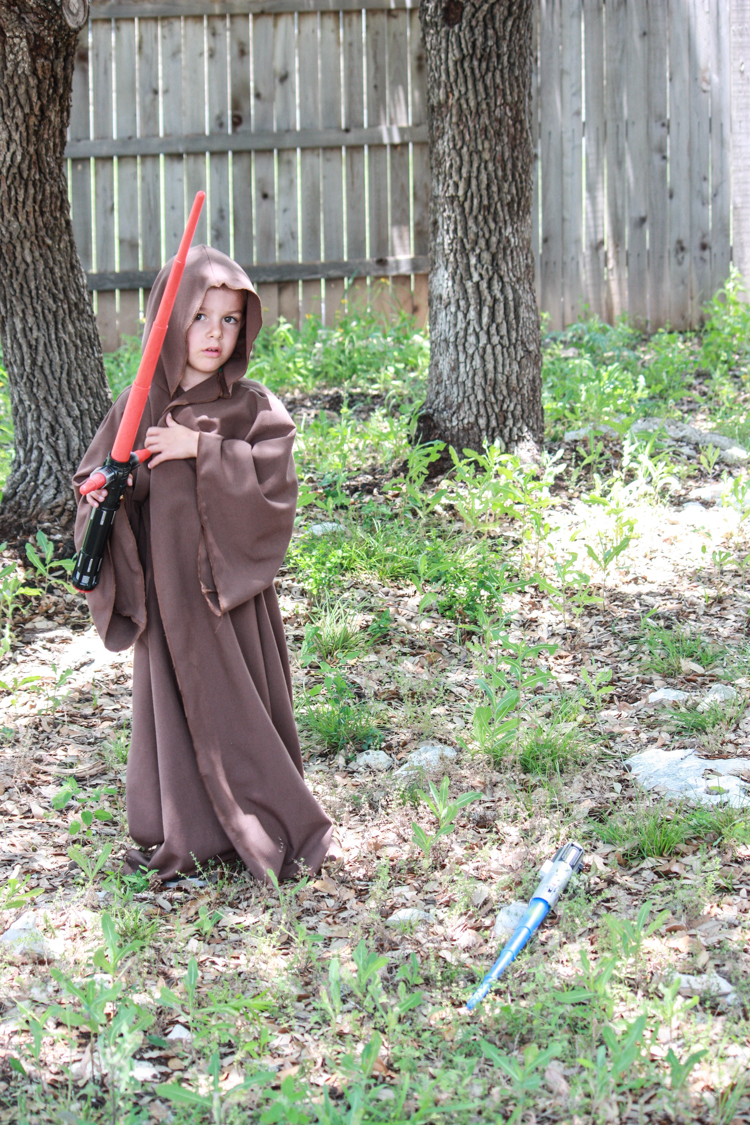 DIY Jedi Robe for Kids- Miranda Anderson for One Little Minute Blog-18