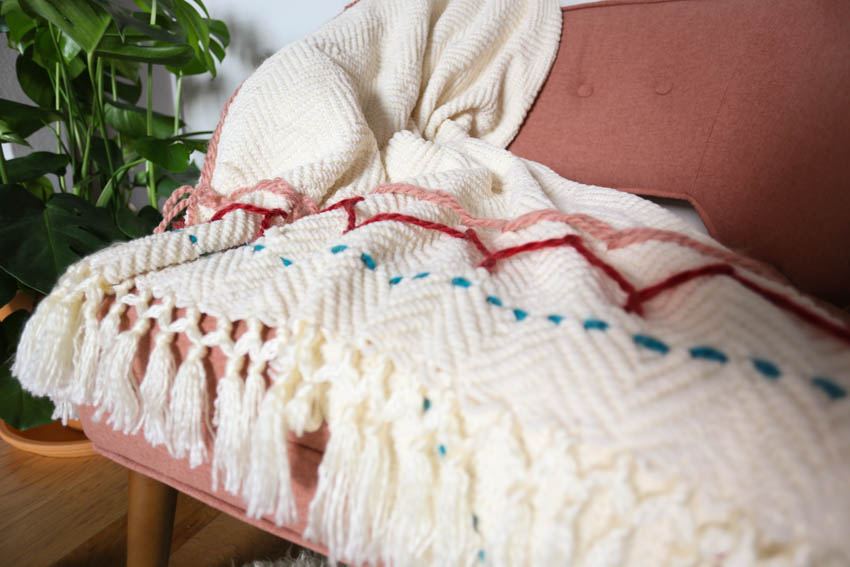 yarn-embroidery-throw-blanket-7