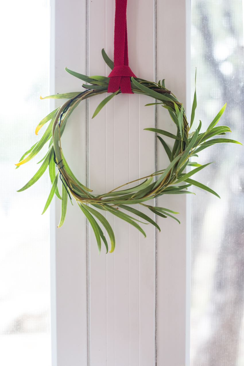 live-mini-window-wreath-diy-world-market-7