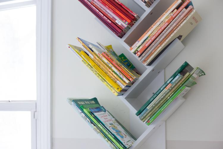 Tree Bookshelf Diy For A Beautiful Minimal And Shared Kids