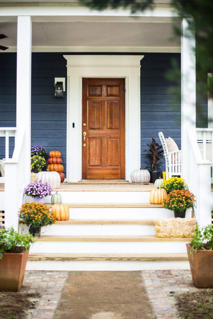 Easy Front Porch Fall Decor - Live Free Creative Co