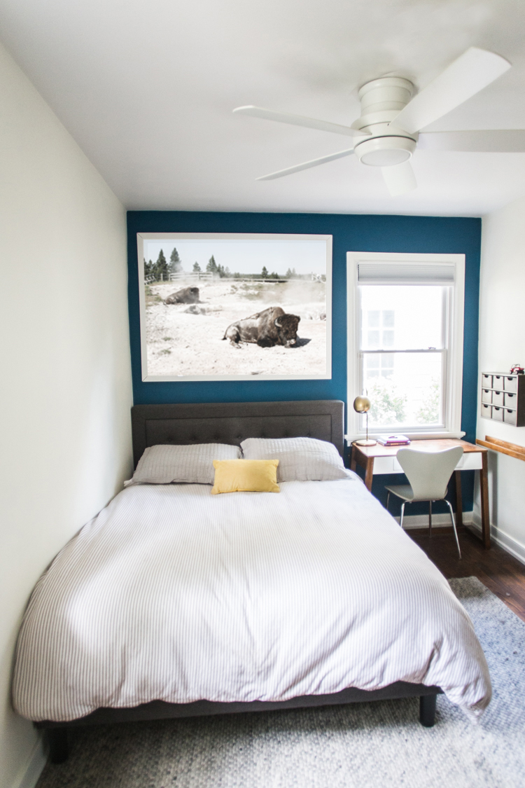 Blue accent wall 15